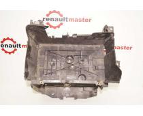 Підставка під акумулятор Renault Trafic III Б/У