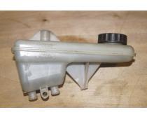 Бачок тормозной жидкости Renault Trafic (Vivaro, Primastar) 1,9 Б/У