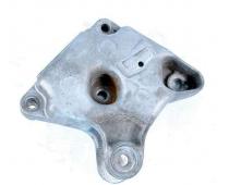 Кронштейн головки правый (лапа) 2.5 Renault Trafic 2001 - Б/У image 1