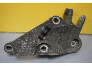 Кронштейн головки правый (лапа) 3.0 DCI Renault Master (Movano, Interstar) 2004-2010 Б\У image 1