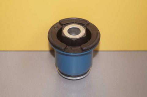 Сайлент-блок передней балки Renault Ttafic Original Copy задний(пластик) image 2 | Renaultmaster.com.ua