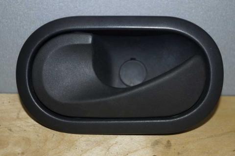 Ручка передніх дверей внутрішня ліва Renault Master 2.3 (Movano,NV 400) 2010- Б/У image 2 | Renaultmaster.com.ua