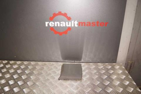 Молдінг Renault Trafic (Vivaro, Primastar) на стійку L Б/У image 8 | Renaultmaster.com.ua