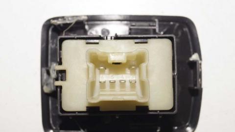 Кнопка стеклоподъемника правая Renault Trafic III Б/У image 4   Renaultmaster.com.ua