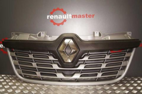 Решітка радіатора Renault Master 2014- OE (рестайлініг) Б/У image 1 | Renaultmaster.com.ua