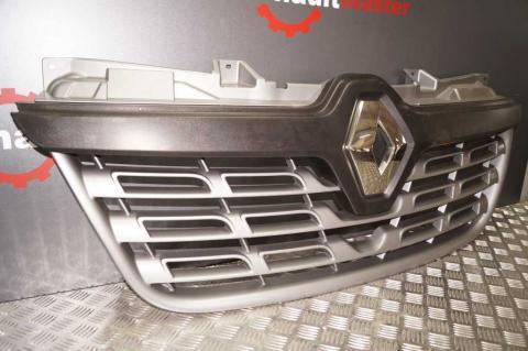 Решітка радіатора Renault Master 2014- OE (рестайлініг) Б/У image 2 | Renaultmaster.com.ua
