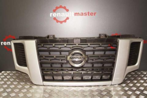 Решітка радіатора Nissan NV400 14- OE Б/У image 1