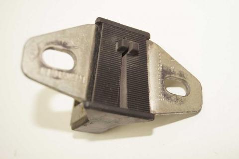 Скоба замка задніх дверей Renault Master ІІ Б/У image 3 | Renaultmaster.com.ua