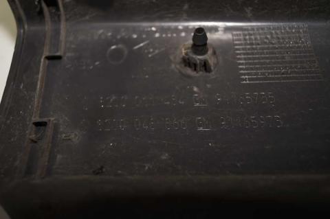 Пластиковый клик над задним правым стопом Renault Trafic (Vivaro, Primastar) Б/У image 9