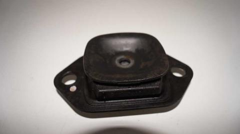 Подушка двигателя левая Renault Trafic 1.6 Б/У image 4 | Renaultmaster.com.ua