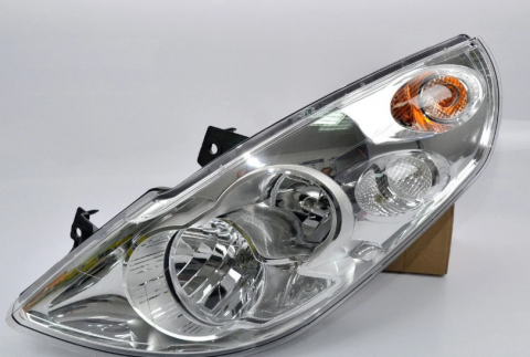 Фара передня ліва Renault Master 10- OE (5 лампочок) image 1 | Renaultmaster.com.ua