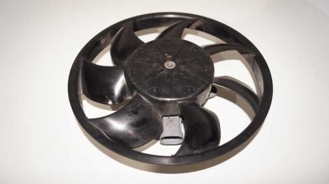 Вентилятор охлаждения малый Renault Trafic 1.6 Б/У image 3 | Renaultmaster.com.ua