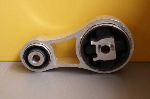 Подушка двигателя Renault Trafic 1.9 задняя MC image 1 | Renaultmaster.com.ua