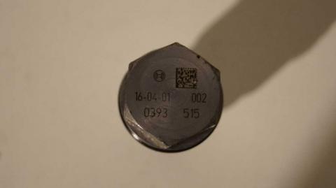 Аварийный клапан сброса топлива в рейке Renault Trafic 1.6 Б/У image 4 | Renaultmaster.com.ua
