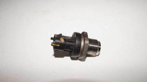 Датчик давления топливной рейки Renault Trafic 1.6 Б/У image 2 | Renaultmaster.com.ua