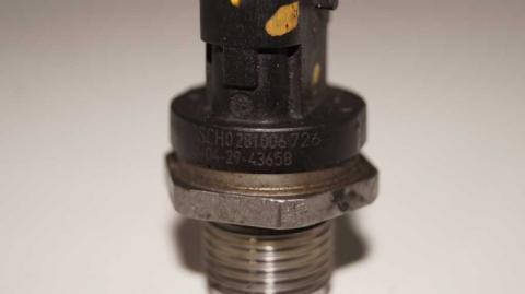 Датчик давления топливной рейки Renault Trafic 1.6 Б/У image 6 | Renaultmaster.com.ua
