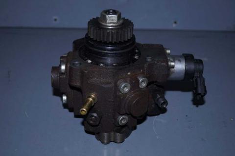 Паливний насос високого тиску 2.0 Renault Trafic (Vivaro, Primastar) 2006-2014 Б/У image 1   Renaultmaster.com.ua