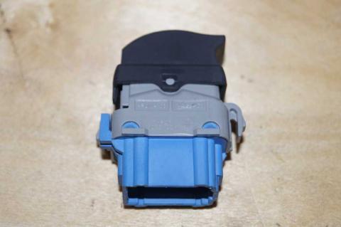 Кнопка склопідйомника права Renault Master 2.3 (Movano,NV 400) 2010- Б/У image 2 | Renaultmaster.com.ua